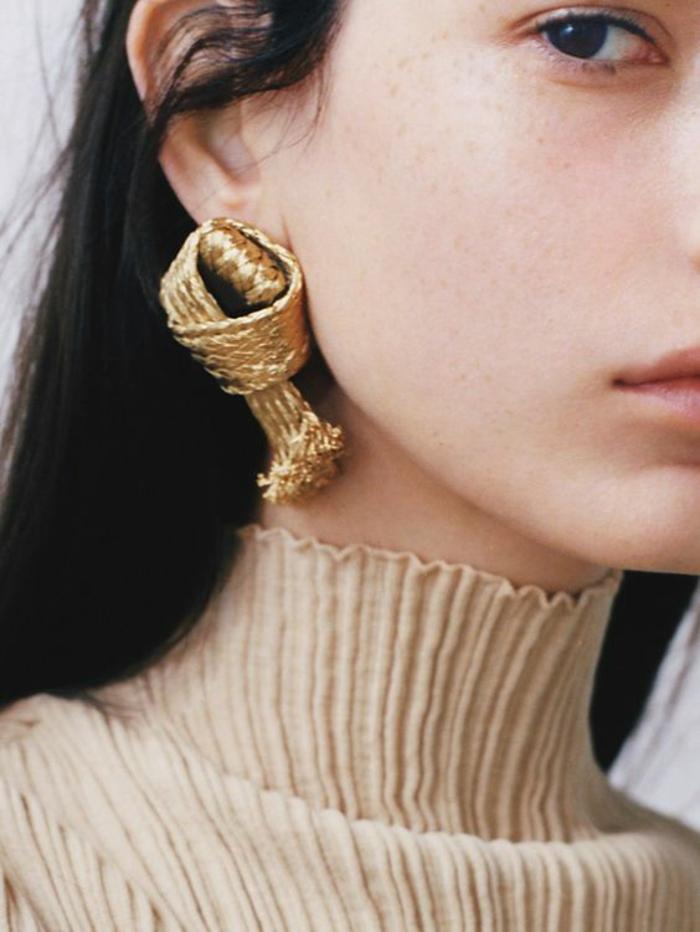 look annee 1980 boucles d'oreilles massives en forme de noeud couleur bronze voyantes