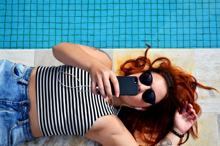Magnifique couleur cheveux noir rouge teintes de rouge belle femme