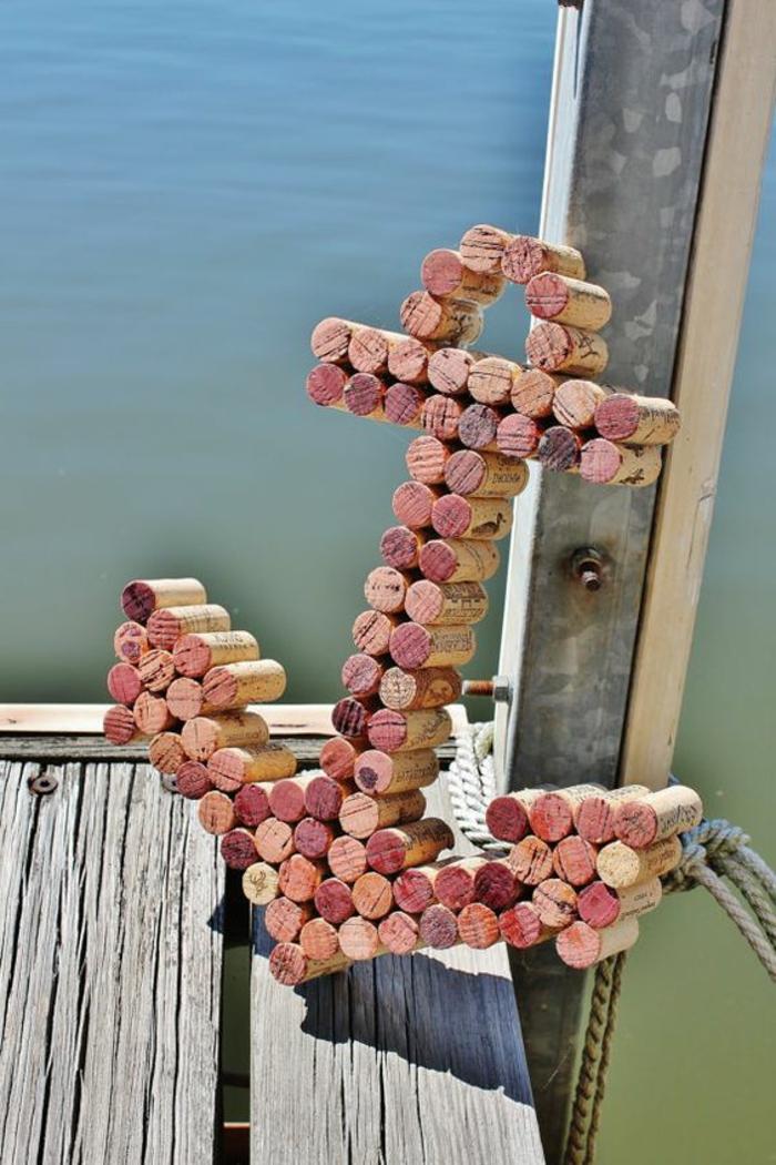 bouchon de liège, ancre de mer, sculpture faite avec des bouchons de liège