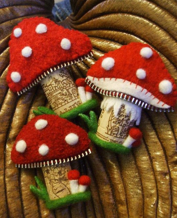 bouchon de liège, champignons fabriquées avec des bouchons et du tissu