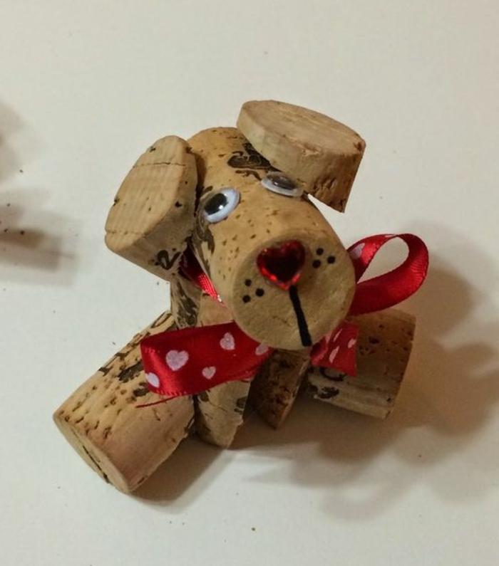 bricolage avec bouchon de liège, chien sympathique avec nez rouge coeur