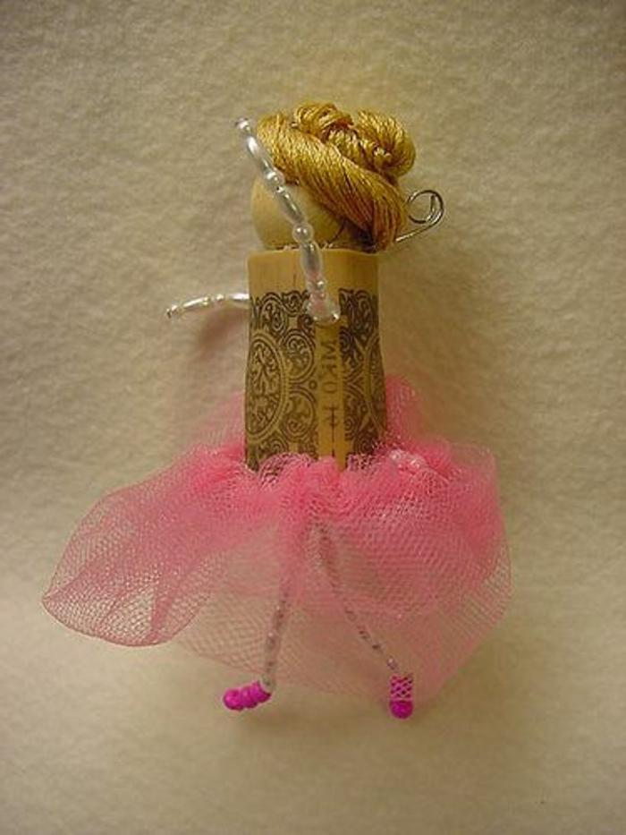 bricolage avec bouchon de liège, poupée ballerine avec tutu rose