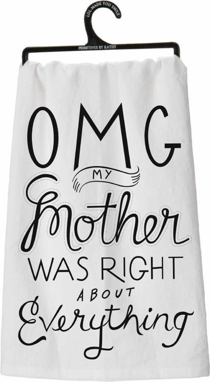 cadeau fête des mères à fabriquer, serviette avec un message pour sa mère