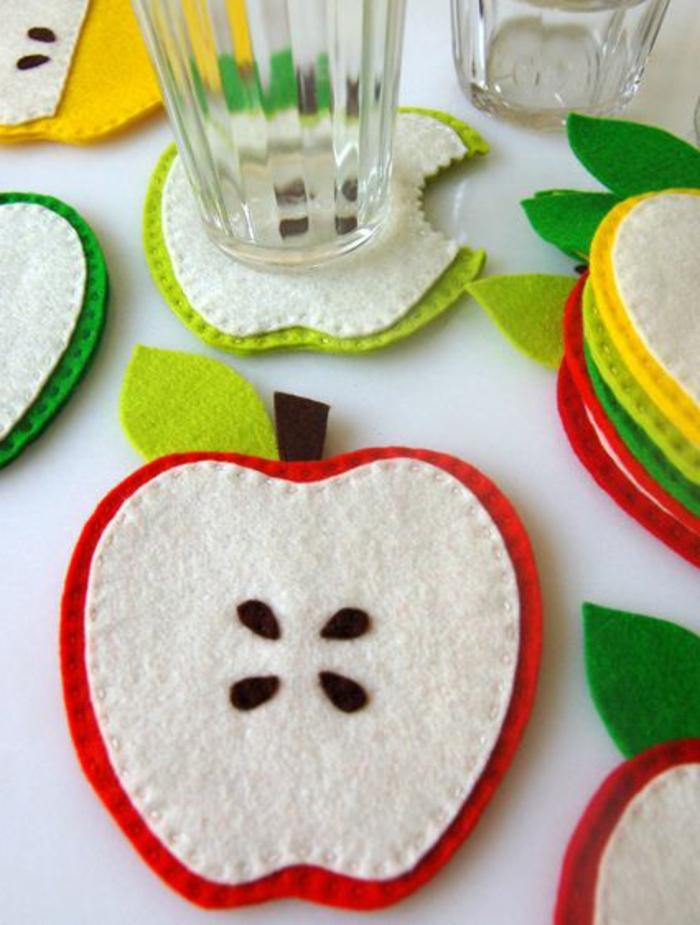 cadeau fete des mere, tapis de tasses pommes faites en feutrine