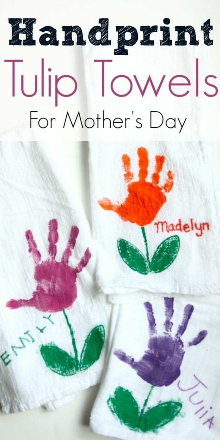 cadeau pour la fête des mères a fabriquer, bouquet avec empreintes de paumes