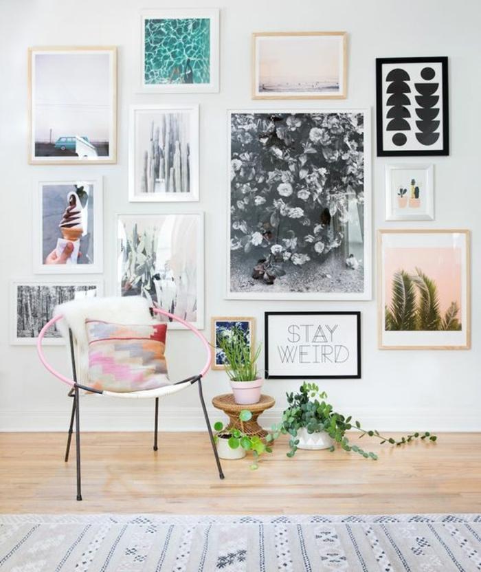 cadre photo personnalisé, fauteuil rose, plantes vertes, pot à fleur rose, dessin blanc et noir