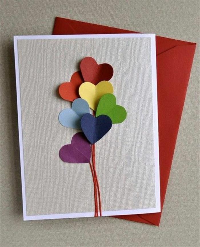 carte des fetes des meres, bouquet avec coeurs colorés en papier