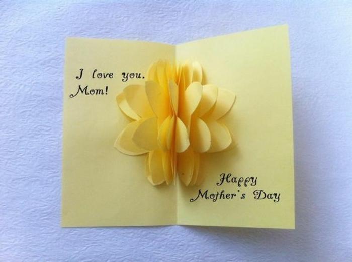 carte de fête des mères, fleur 3d dans une carte diy avec plusieurs découpes en papier