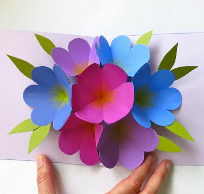 carte de fête des mères, carte fleur pop up en papier coloré, joli bouquet
