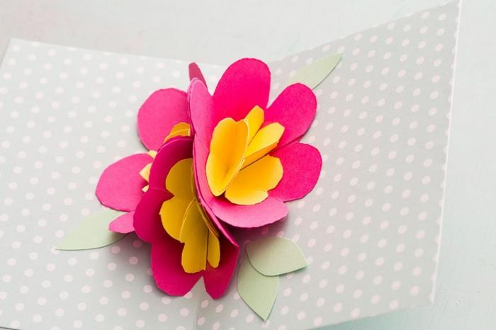 carte des fetes des meres, carte diy avec une fleur 3d rose et jaune