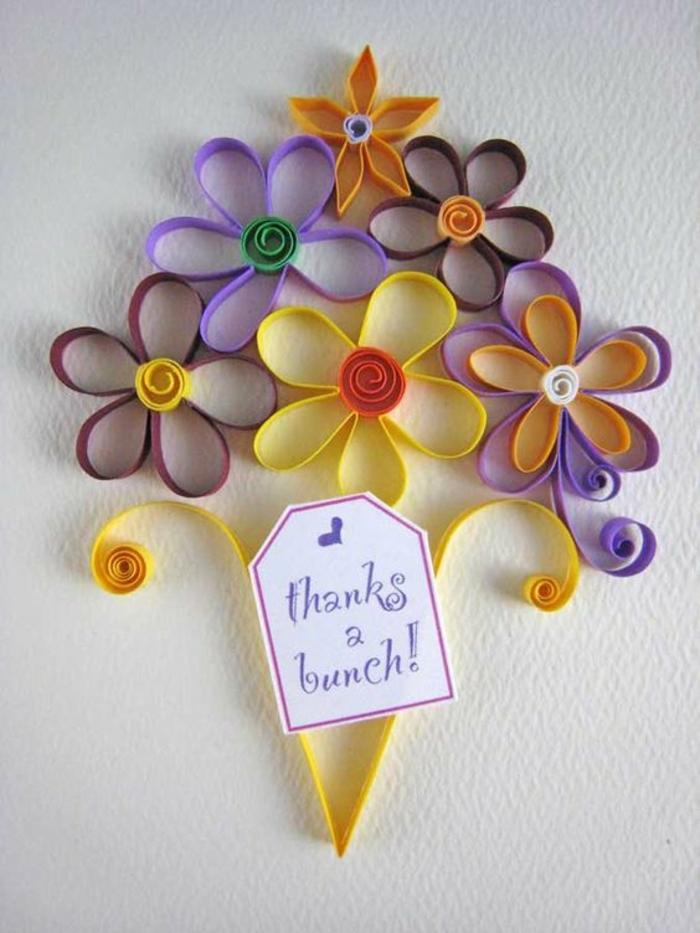 carte de fête des mères, bouquet de fleurs en papier quilling en couleurs différentes
