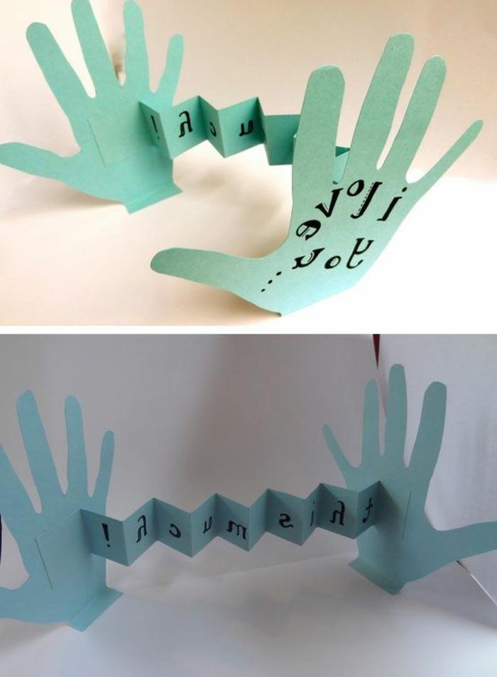 carte fête des mères, carte handcraft en papier bleu en forme des paumes