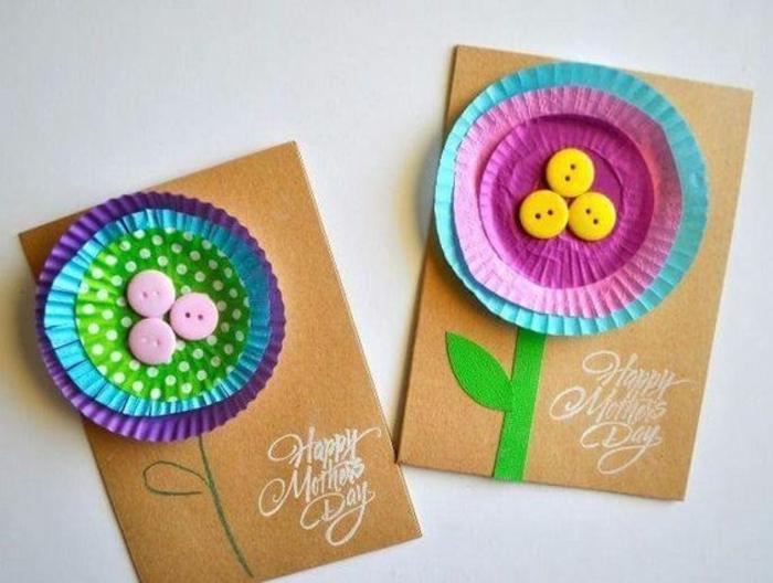 carte fête des mères à fabriquer, fleurs en moules de cupcake