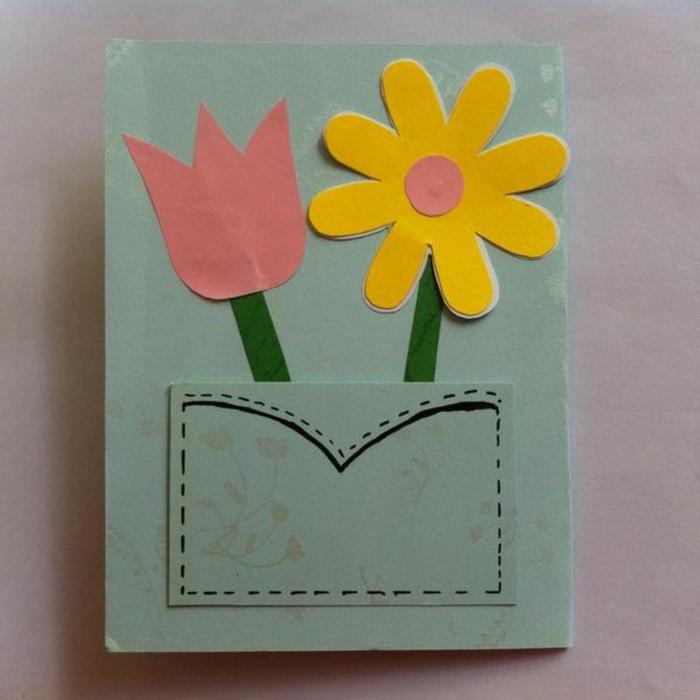carte fête des mères, une carte avec une poche et fleurs en papier coloré