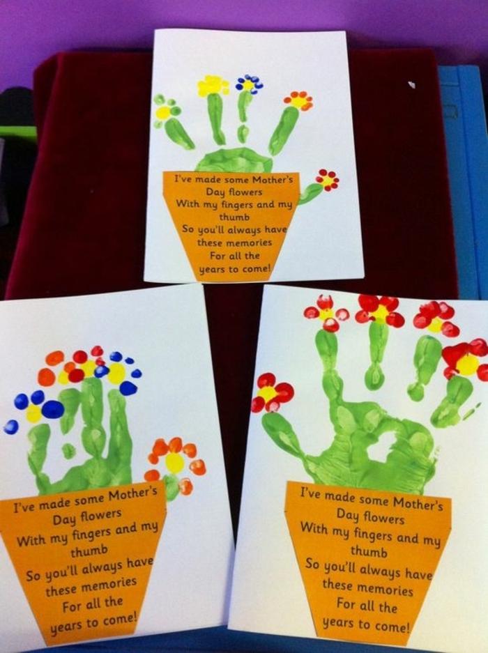 carte pour la fete des meres, pot de fleurs facile avec la paume de la main