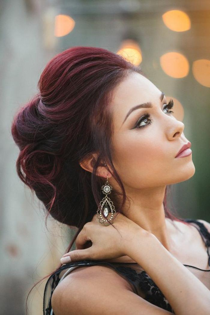 Coloration rouge bordeaux couleur de cheveux prune