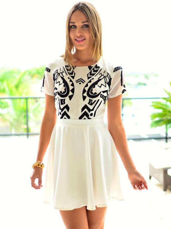 petite robe blanche aux motifs ethniques, imprimé ethnique en noir et blanc, comment réussir son look chic ethnique