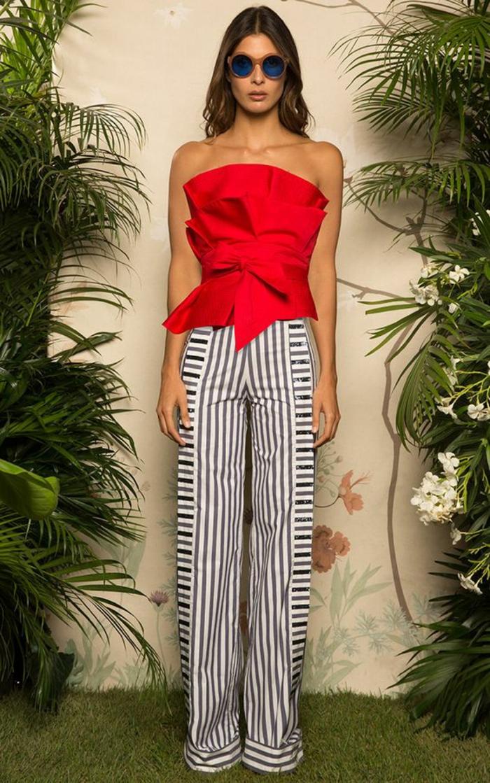 edf1d665689 Tenue jour de l an robe de cocktail pour mariage pantalon rayé top bustier  cool idee