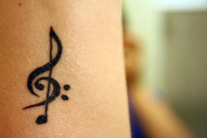 idee exemple tatouage clé de sol clé de fa