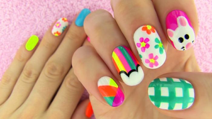 manucure maison, dessin animal sur les ongles, manucure multicolore, motifs floraux, vernis jaune électrique