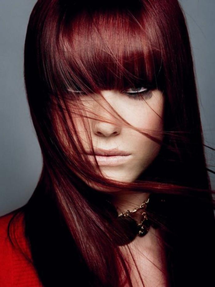 Rouge nuances teinture bordeaux cheveux idée comment