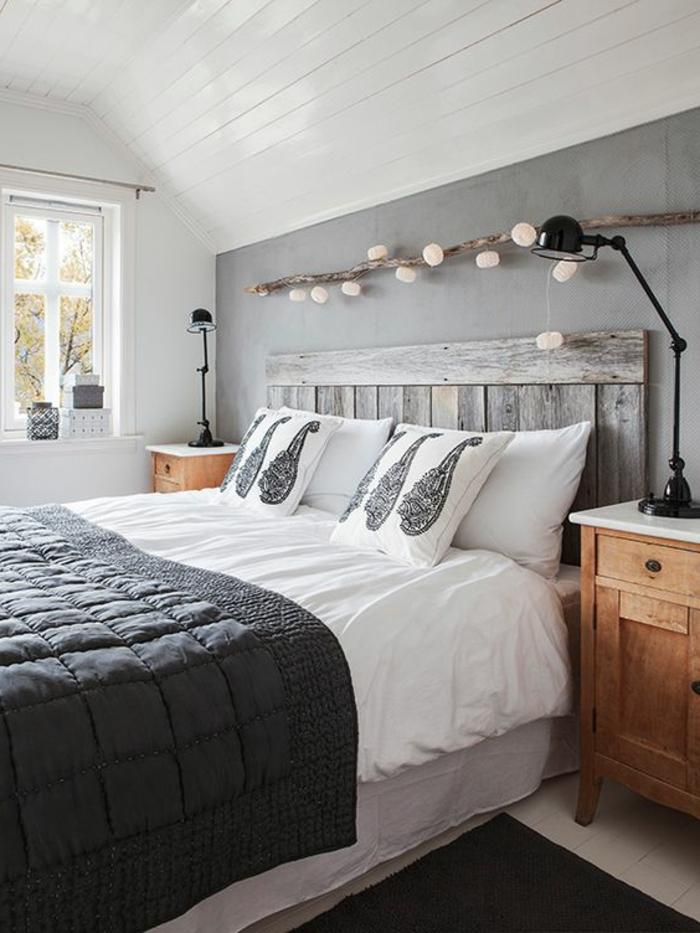 couleur qui va avec le gris, chevet en bois, lampe gielde noire, tête de lit shabby