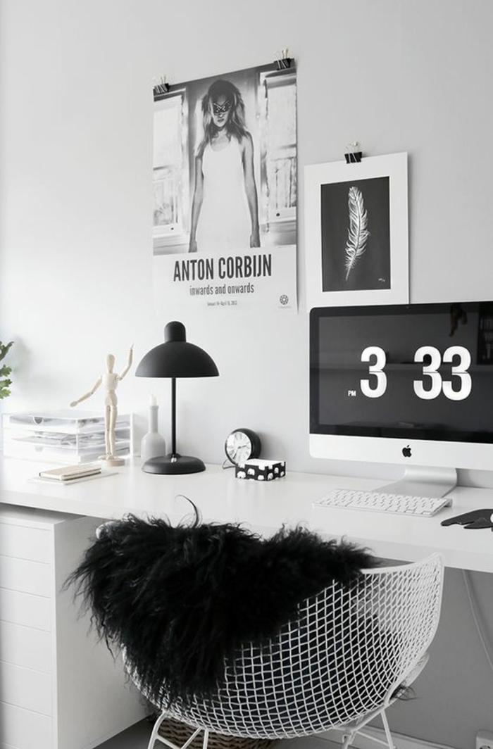 couleur qui va avec le gris, office de travail en noir et gris, bureau collé au mur