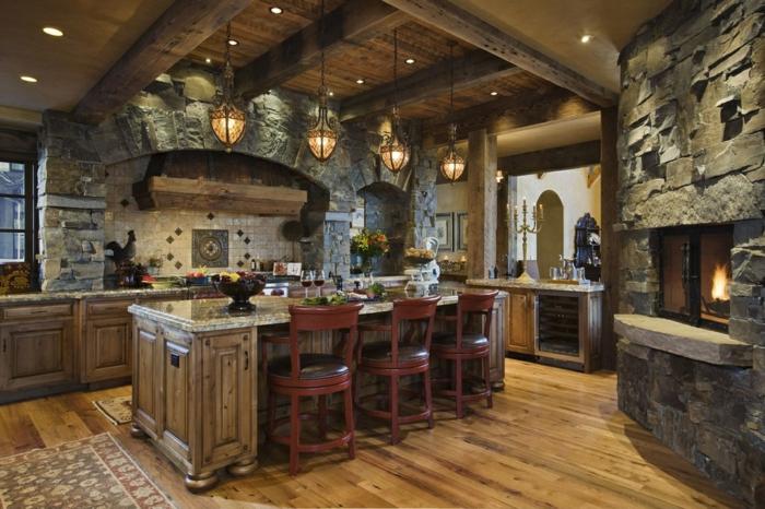 deco campagne chic, parquet en bois, carrelage beige, fenêtre à carreaux, relooker cuisine en bois, cheminée en pierre