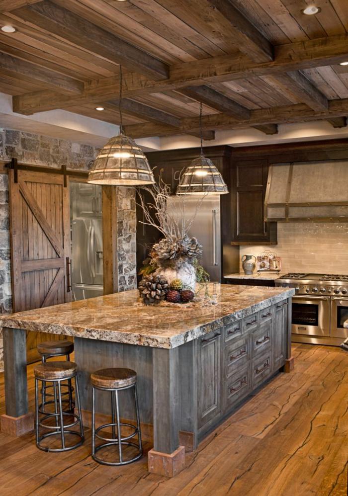 cuisine intégrée, porte en bois, tabouret en fer forgé, cuisine équipée, suspension luminaire, modele de cuisine