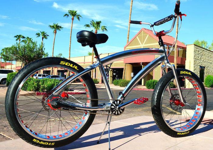 vélo custom chopper cadre chrome cruiser californien