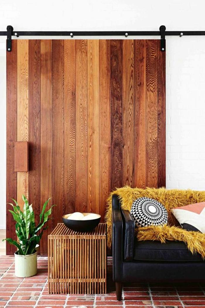 un salon qui associe des éléments rétro et contemporains, comment introduire l'ocre jaune dans son intérieur