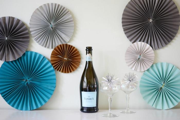 comment faire un moulin à vent papier en forme de rosace, une simple décoration pour une fête élégante