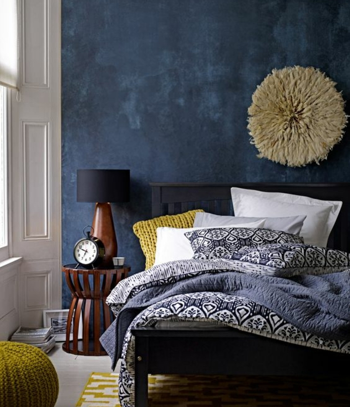 1001 id es cr er une d co en bleu et jaune conviviale. Black Bedroom Furniture Sets. Home Design Ideas