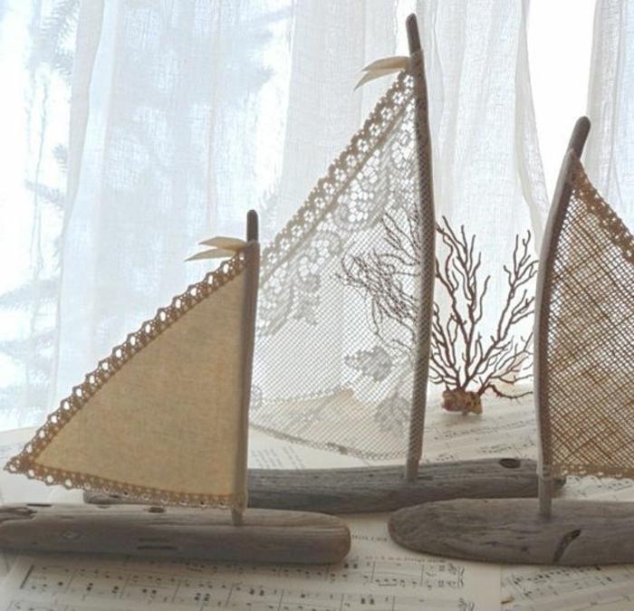 petits voileirs décoratifs fabriqués à partir de dentelle, jute et morceaux de bois plats, deco dentelle intéressante