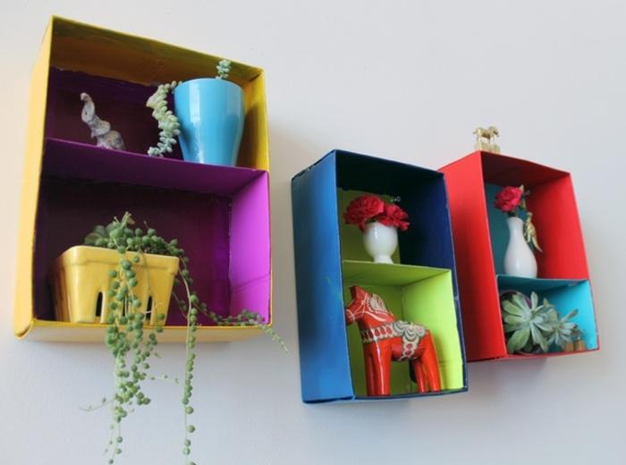idee de recyclage boite a chaussures repeinte, rangement accessoires deco et plantes, activité créative, activité manuelle facile