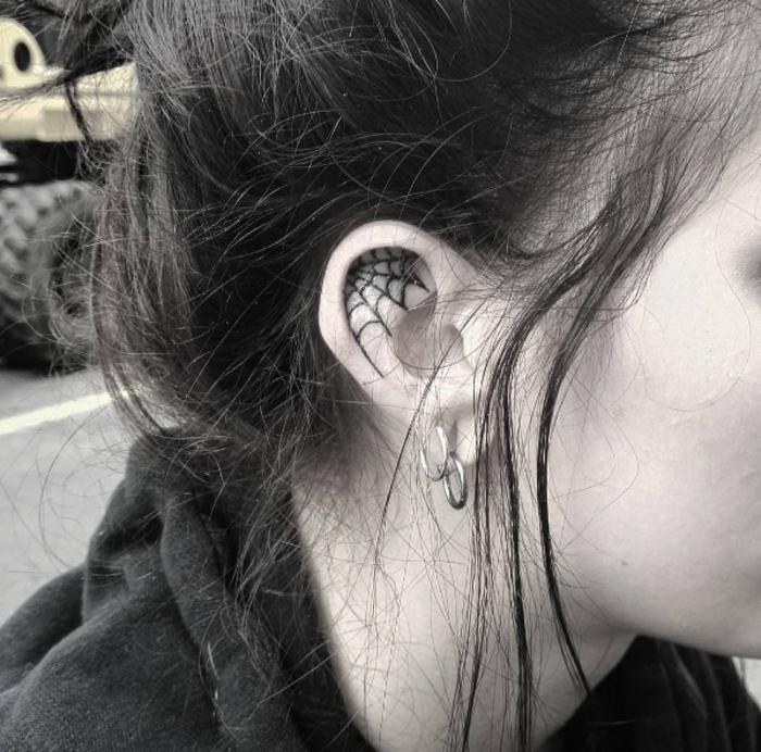 Helix tattoo tatouage sur l oreille tatouage hélix réseaux