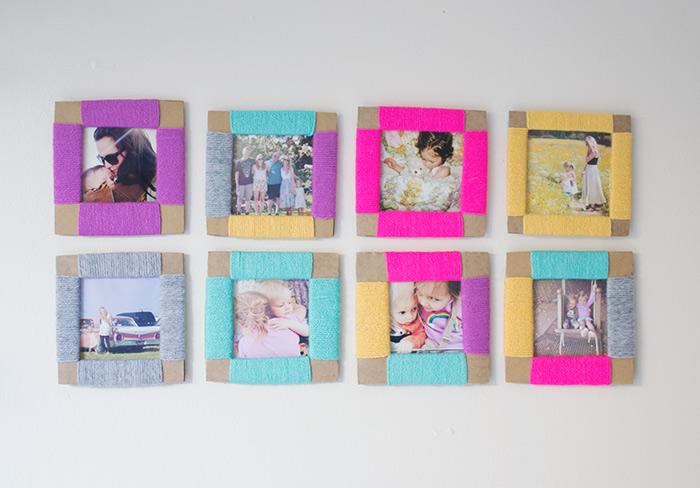 fabriquer des cadres photo carrés en carton et fil de laine multicolore, activité manuelle adulte facile a realiser, cadeau fete des meres
