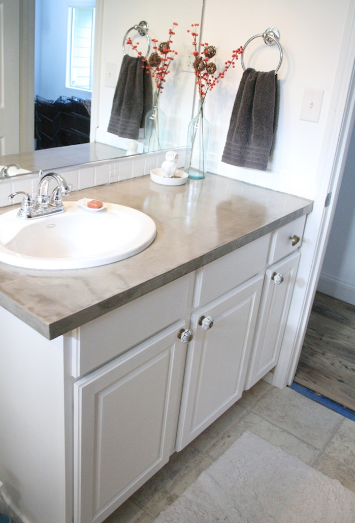 refaire meuble salle de bain rénover déco film sticker imitation béton lavabo