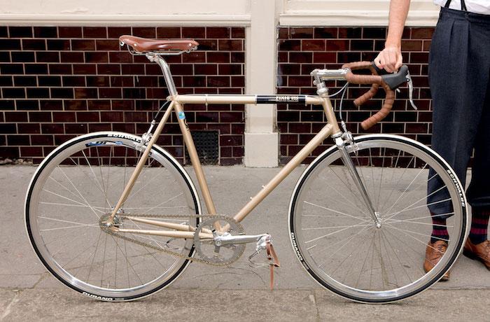 velo fixie vintage cadre doré chaine fixe or reforcée