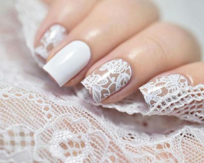 comment faire une manucure, ongles longs, décoration ongles en motif dentelle, vernis blanc
