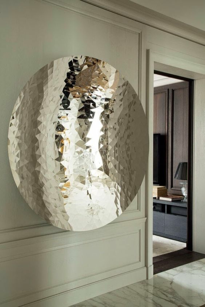 miroir sorciere effet pleine lune aux multiples reflets et effets lumineux