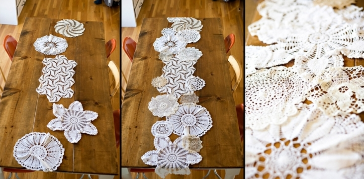 idee deco mariage, chemin de table, fabriqué à partir de napperons blancs de tailles diverses, dentelle projet brico