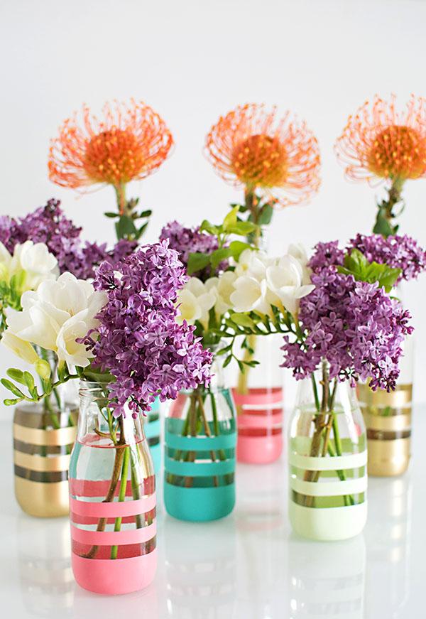 activité manuelle adulte, des vases customisés à la peinture, que faire quand on s ennuie, idée créative, centre de table floral