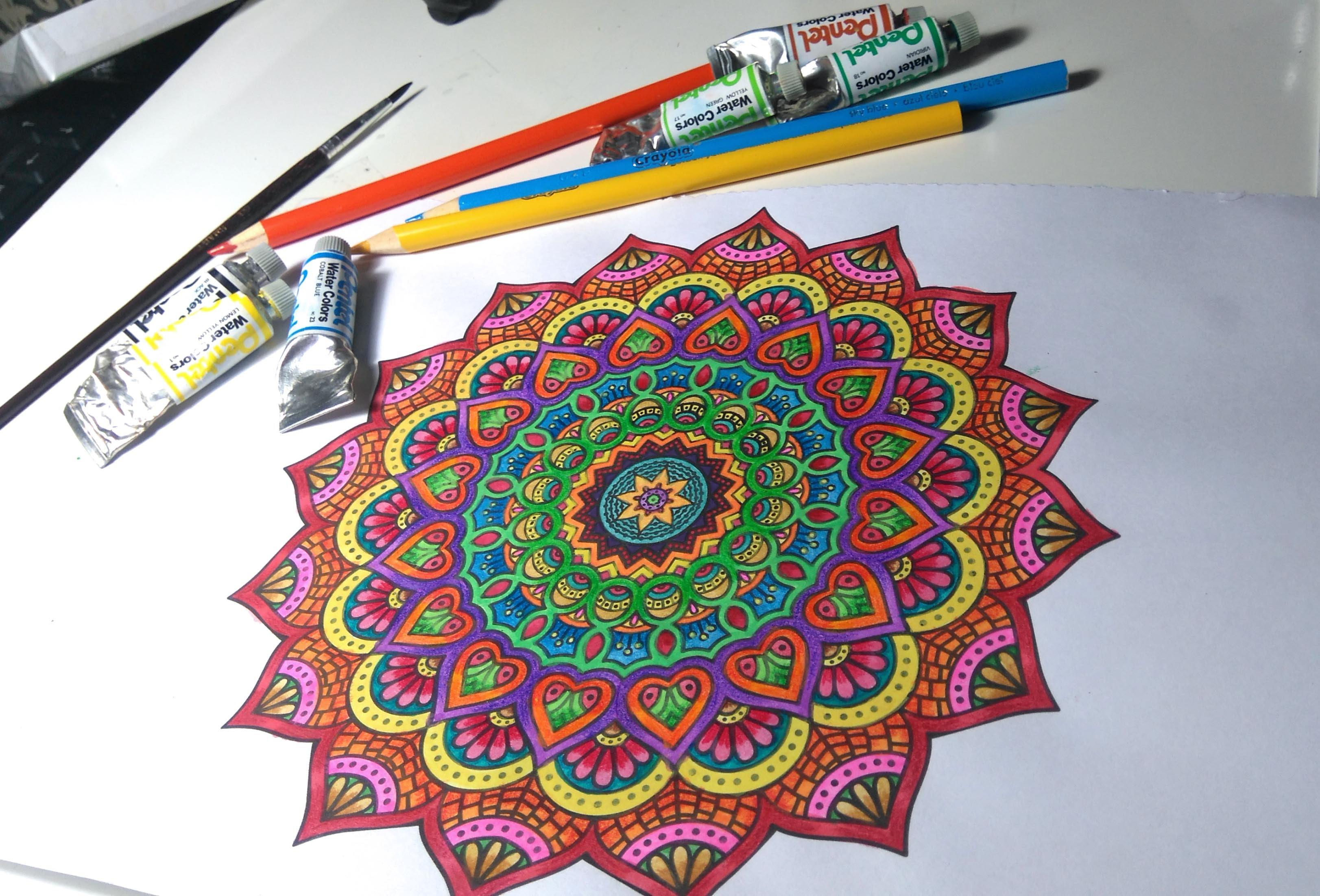 activité manuelle adulte, faire un dessin coloriage mandala, motifs floraux, idée créative occupation temps libre, quoi faire quand on s ennuie