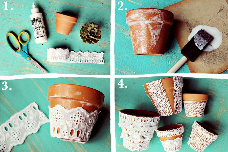 des pots de fleurs en terre cuite customisés de chutes de dentelle, idée décoration mariage champetre chic