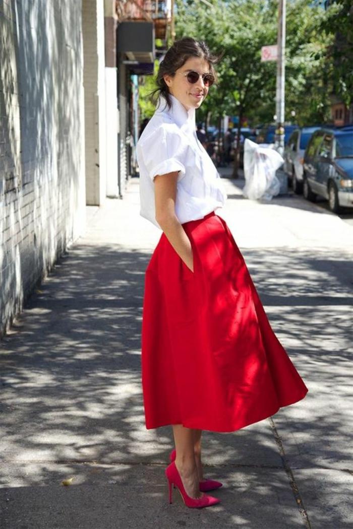 Idee tenue classe femme tenue du jour rouge et blanc modere