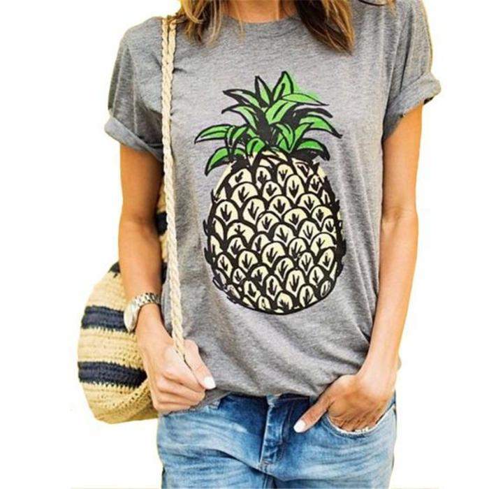 mode annee 1980 T shirt gris avec ananas motif populaire pendant les 80's