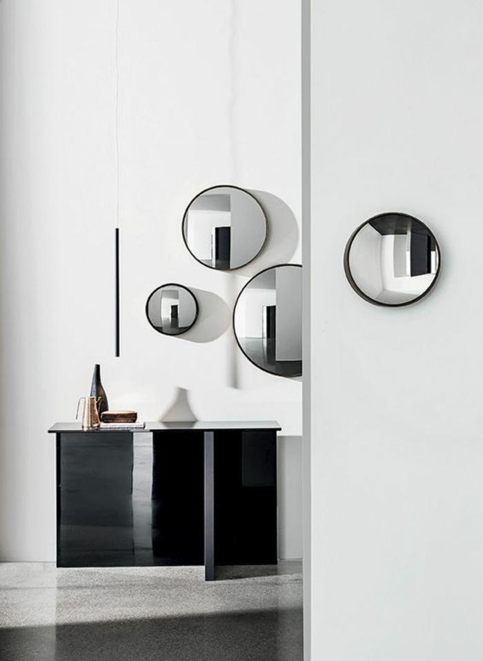 miroir barbier oeil de sorcière plusieurs miroirs installés sur des murs différents