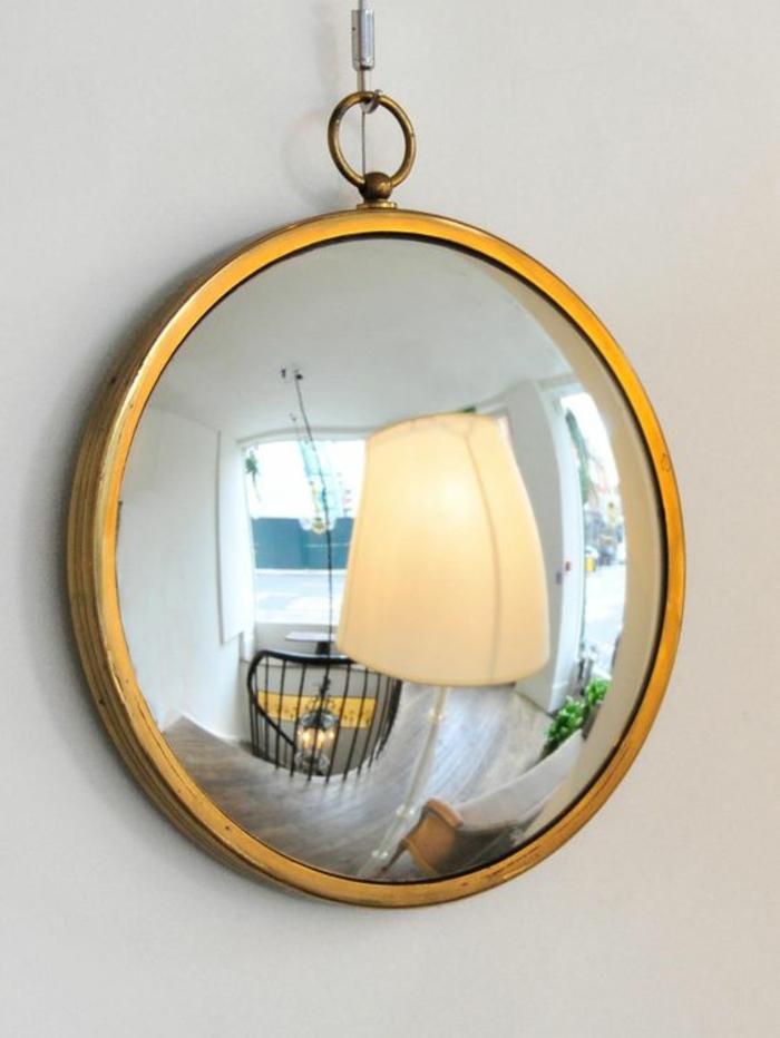 miroir sorcière au cadre doré motif vieille horloge miroir barbier