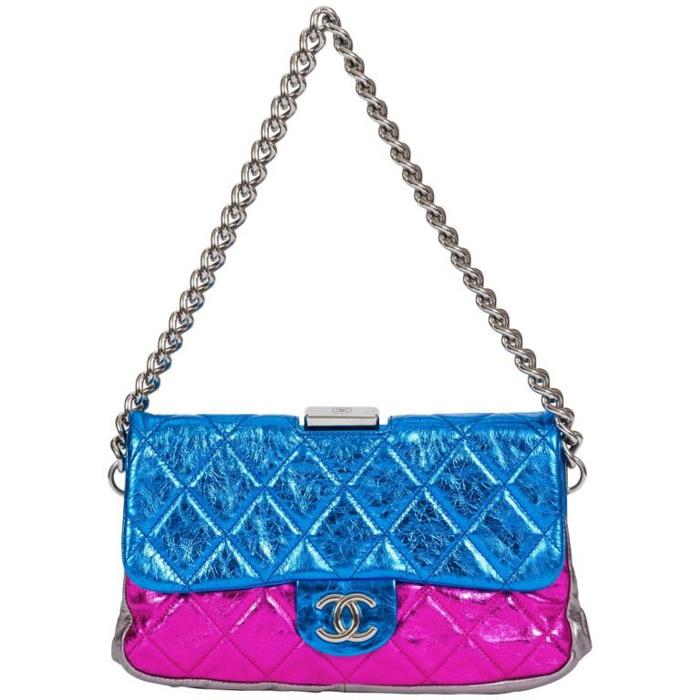 look année 80 sac à main Chanel en 3 couleurs flashy avec chaine en métal
